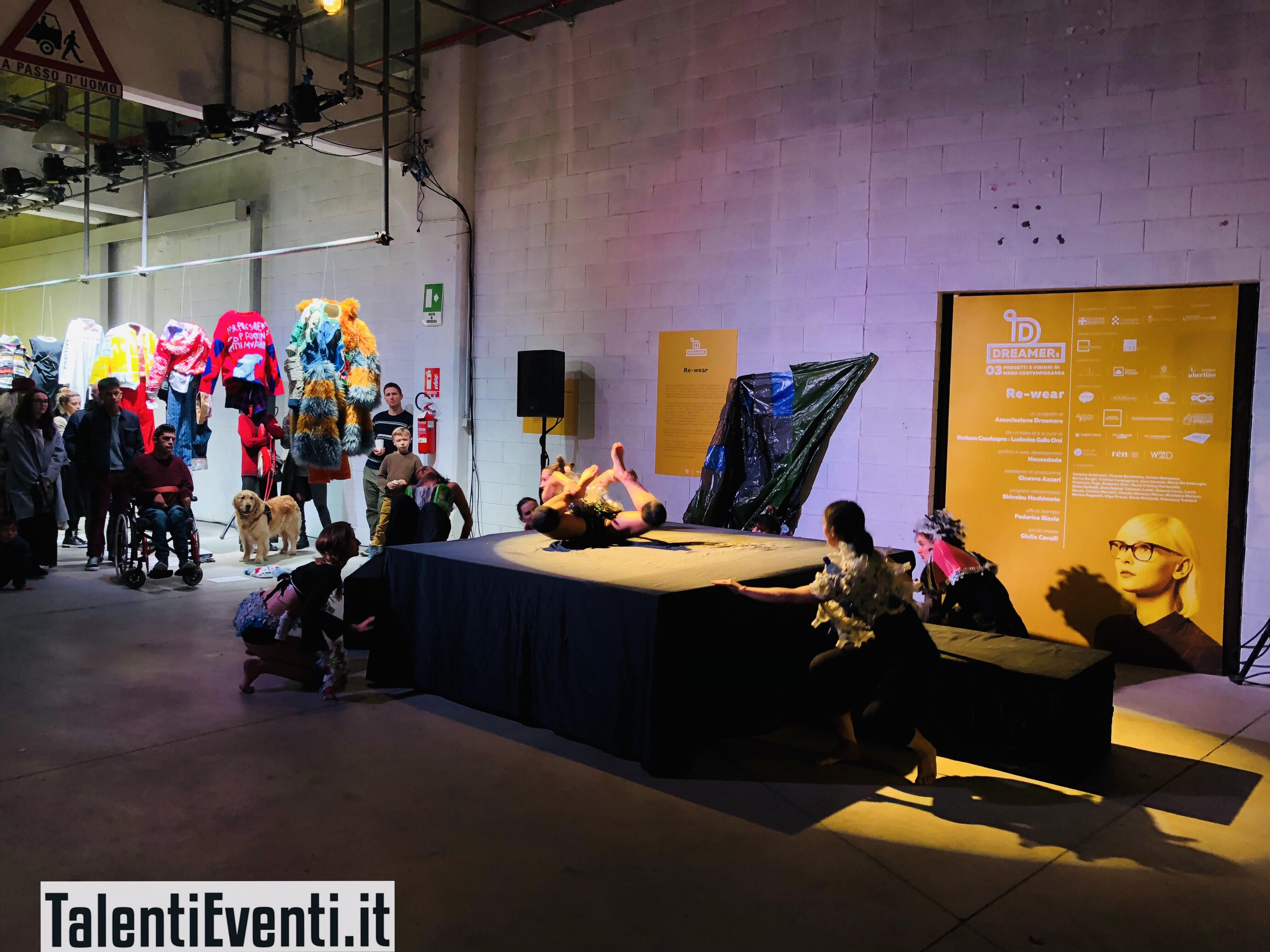 MCF Belfioredanza - performance con abiti dell'artista Erica Borghi