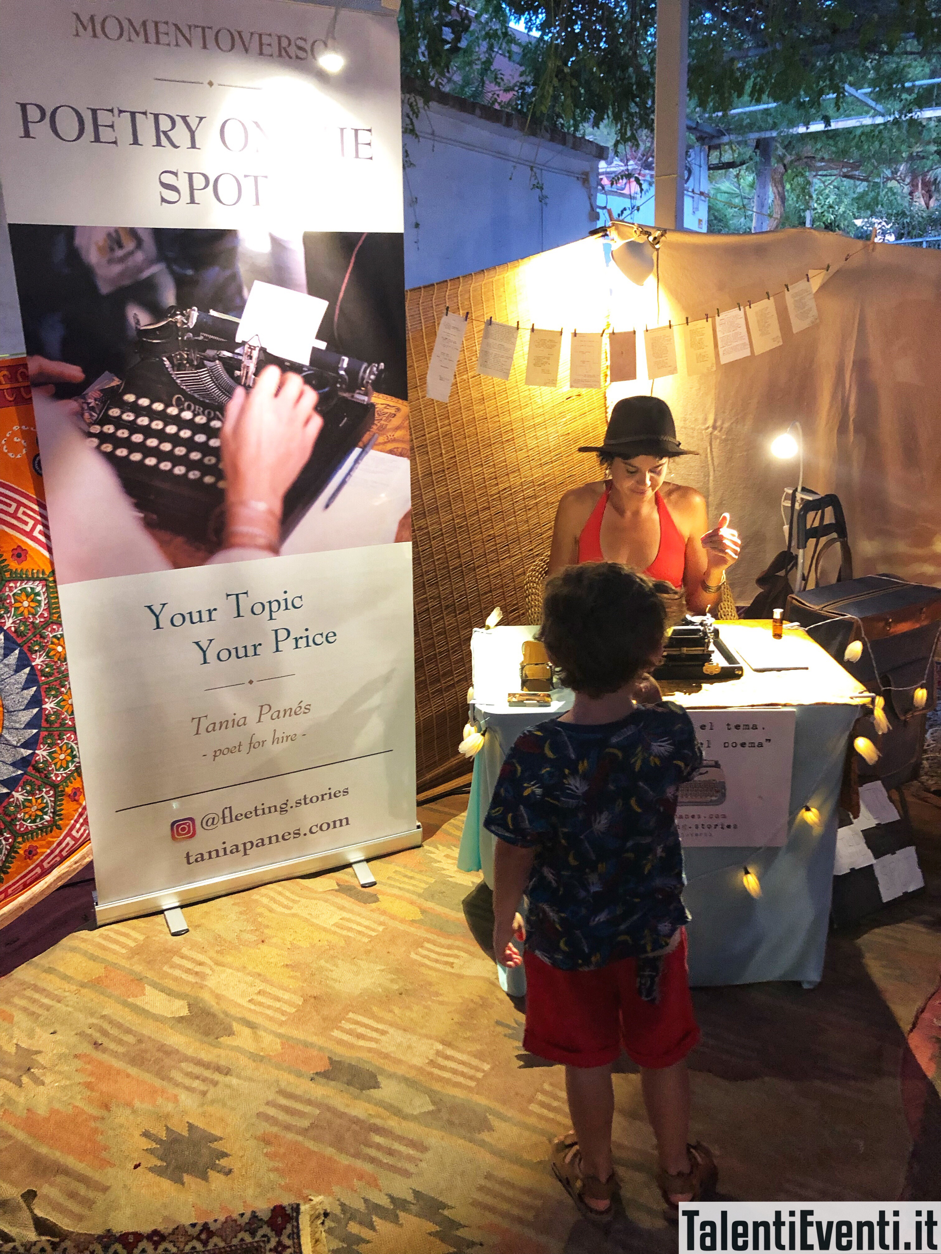 Improvvisare una poesia con la macchina da scrivere - Las Dalias